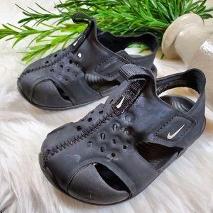Nike Sandals | sz 5c | slip on | black